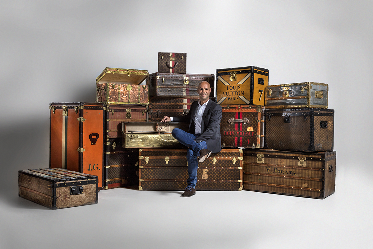 legendary trunks exhibition with louis vuitton suitcases. Black Bedroom Furniture Sets. Home Design Ideas